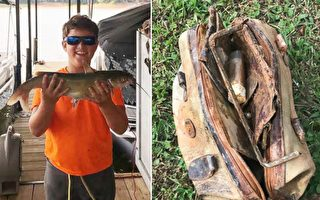 美國南卡州11歲男孩湖中垂釣,釣上來一個25年前被偷走的手袋。裡面的物品讓手袋主人喜極而泣。(推特/大紀元合成)