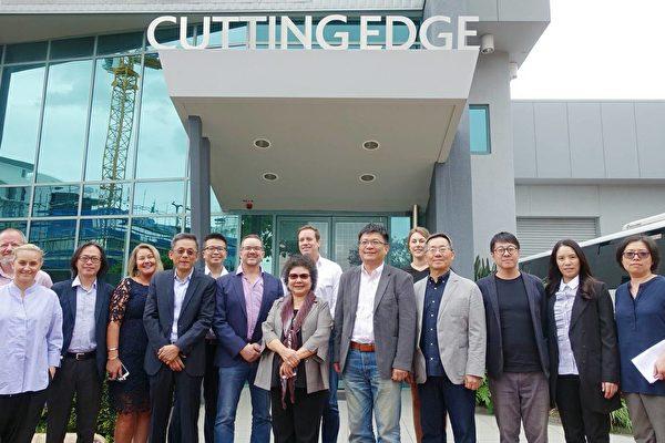 高雄市長陳菊率領市府團隊參訪Cutting Edge。(高雄市經發局提供)