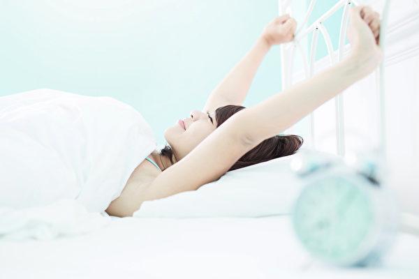 学会呼吸,就能改善睡眠质量。(Shutterstock)
