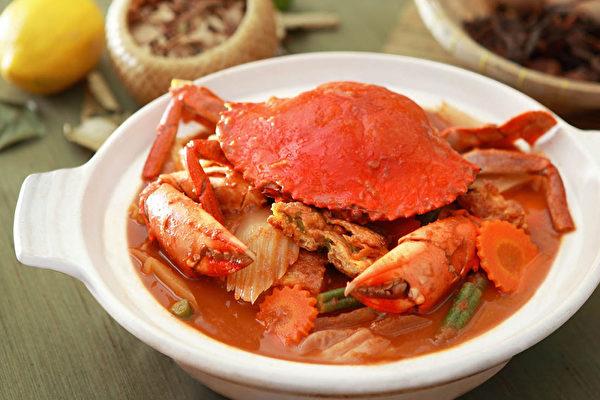 螃蟹肥美,还有活血、通筋络的功效。吃螃蟹有些禁忌要知道。(乐活养生美人提供)