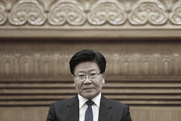 港媒分析了张春贤、刘奇葆等未被安排连任政治局委员,但他们还被列入中委候选名单的原因。(Lintao Zhang/Getty Images)