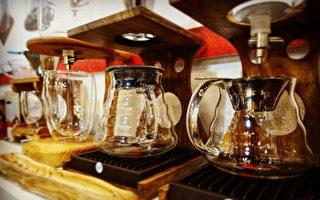 由小鄭開發的各種咖啡相關器具。(圖:維萱咖啡提供)