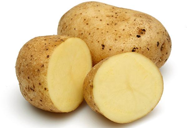 马铃薯要煮熟食用。(fotolia)