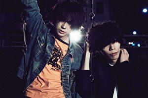 米津玄师(右)于新专辑中与菅田将晖(左)合唱(摄影:中野敬久)。(SONY提供)