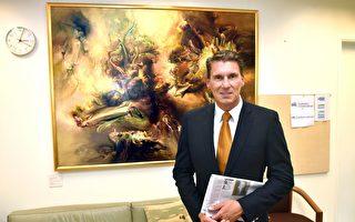 中國留學生向中使館告發同胞 遭澳議員斥責