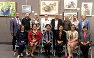 臺美藝術協會11月18至19日舉辦冬季聯展,30多位會員展出精心近百幅畫作。(袁玫/大紀元)