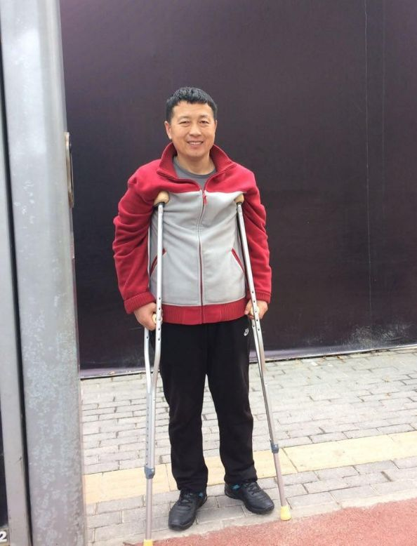 唐吉田律師因「建三江事件」,10根肋骨被打斷,後遭遇車禍。(向莉提供)