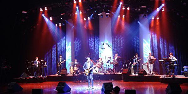 圖: 世華工商婦女企管協會溫哥華分會舉辦慈善音樂會,捐贈給加拿大與台灣關愛自閉症機構,展現愛無國界之大愛。圖為音樂會現場。 (邱晨/大紀元)