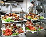 丰盛新鲜的海鲜自助大餐(Waterview Restaurant提供)
