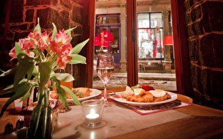 蒙特利爾老港St Paul街上古典優雅的Stash Café是蒙城獨家提供波蘭風味美食的餐廳,並有現場鋼琴音樂演奏。(Stash Café提供)