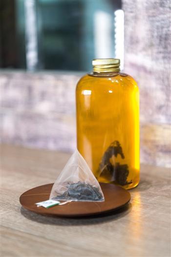 紅美人-蜜香紅茶,立體茶包熱沖、冷泡茶皆宜。(圖:香采緣人文品茗坊提供)