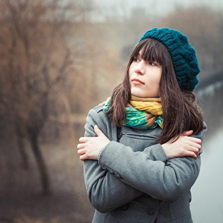 冬季寒冷冰雪的天氣即將來臨,幾個簡單的建議會讓你保持健康。(fotolia)