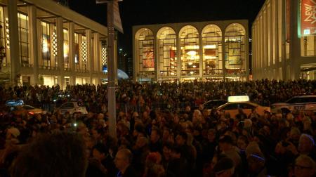紐約市的林肯中心再次迎來了冬之夜(Winter's Eve)活動,吸引了上萬民眾參與。