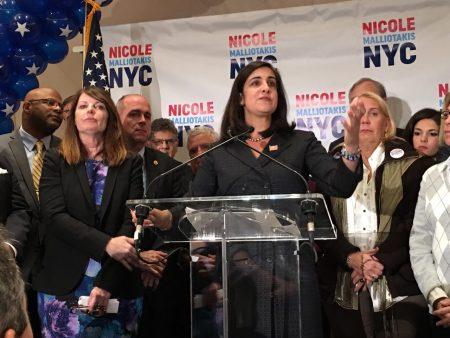 11月7日共和党市长候选人玛丽奥以29%的得票率败选,虽败犹荣。