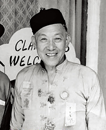 中国商人李月Moon Lim Lee(1903-1986),他在北加Trinity县盖了一间中国寺庙,试图保留中国的传统与文化。(大纪元)