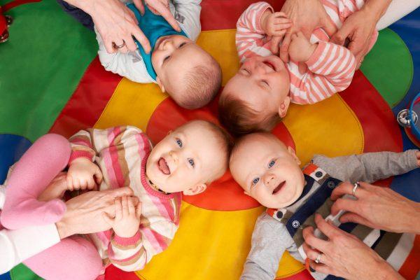 许多国家多采高福利、高课税,在种种福利制度下,育婴托儿相关措施甚为完备。 (Fotolia)