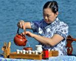 茶藝師寧靜。(正心茶坊提供)