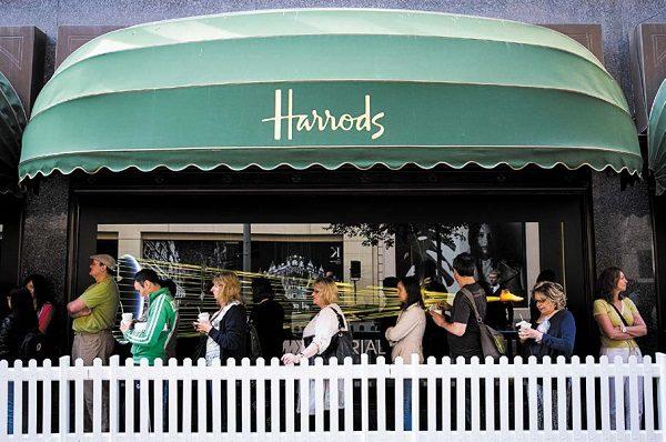 哈羅德百貨公司(Harrods)去年大賣21億鎊,並且特別感謝中國遊客。(John Phillips/Getty Images)