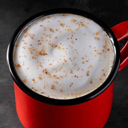 Starbucks 2018新品:栗子果仁茶拿铁(Chestnut Praline Tea Latte)。(图片由Starbucks提供 )