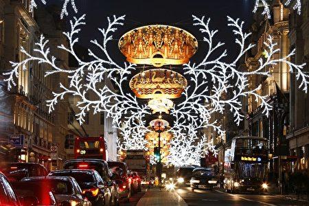 2013年12月伦敦摄政街圣诞点灯Regent Street(Anizza/Depositphotos)
