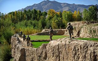 2012年10月11日,美軍在阿富汗執行任務。(MUNIR UZ ZAMAN/AFP/Getty Images)