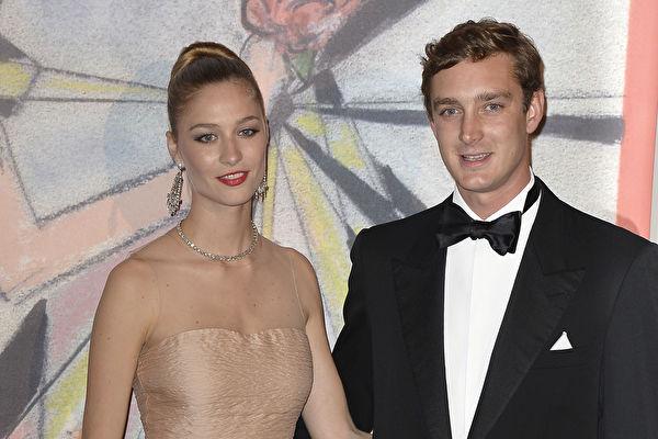 摩纳哥王子皮埃尔和妻子比阿特丽斯·鲍罗麦欧。(Pascal Le Segretain/Getty Images)