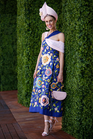 2017年墨尔本杯赛马节最佳观赛着装奖(Fashions on the Field)全国总冠军Crystal Kimber。(Daniel Pockett/Getty Images)