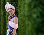 2017年墨尔本杯赛马节最佳观赛着装奖(Fashions on the Field)全国总冠军Crystal Kimber。(Daniel Pockett/Getty Images)