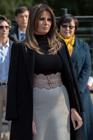 11月10日,美国第一夫人梅拉尼娅参观北京动物园。 (NICOLAS ASFOURI/AFP/Getty Images)
