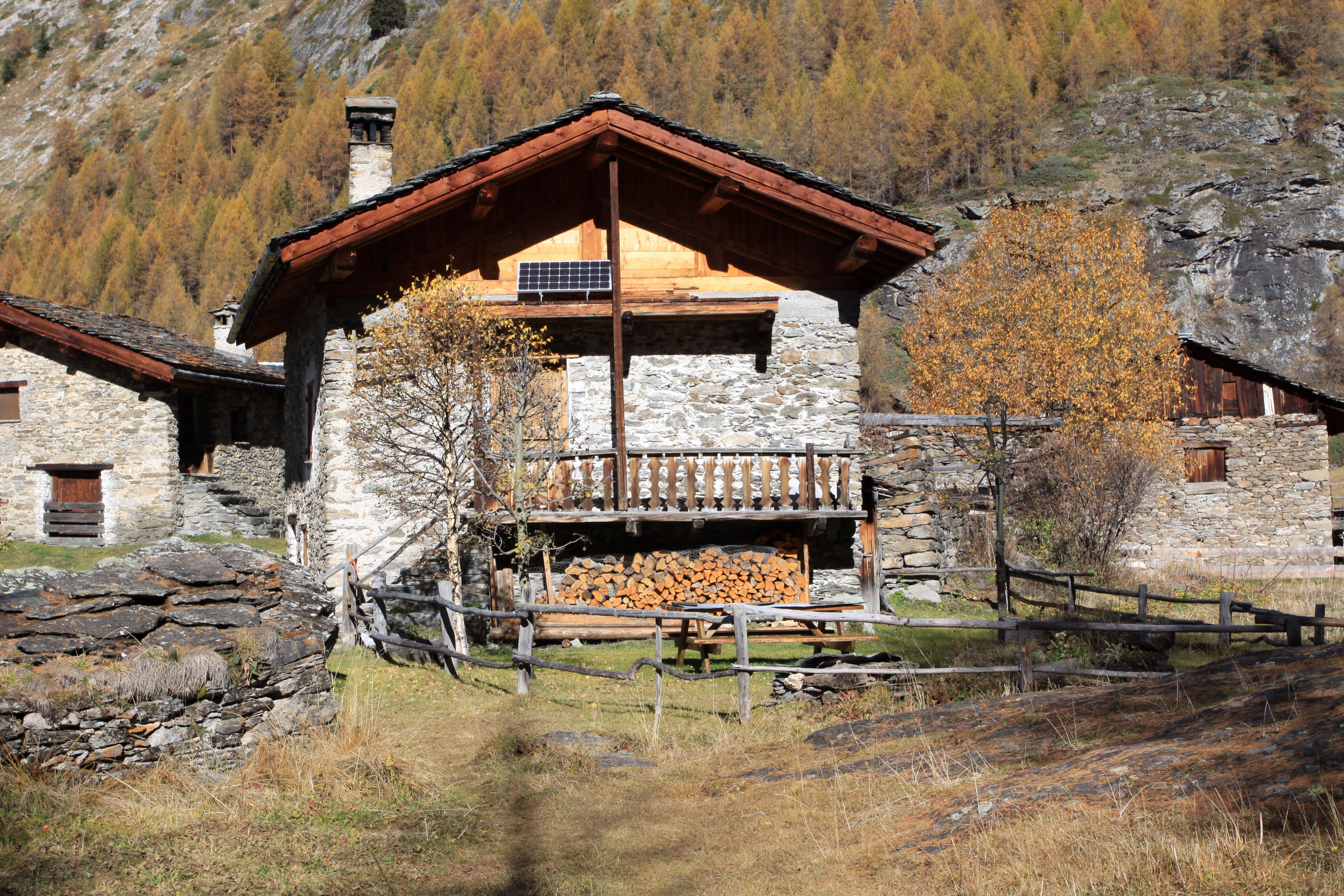 組圖:法國羅納有個「哈比人」古村莊
