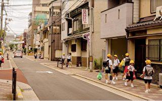 为什么日本街道没有垃圾?看完太惭愧了