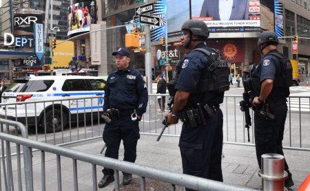 圣诞节期间,纽约市警察局将在城市各处布置更多重武器。