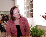 占星大师雪莉·冯·斯特朗格女士接受大纪元记者采访。(舒雅/大纪元)