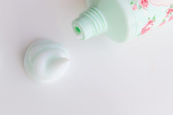 打折期間囤太多保養品,過期再用反對皮膚有害。