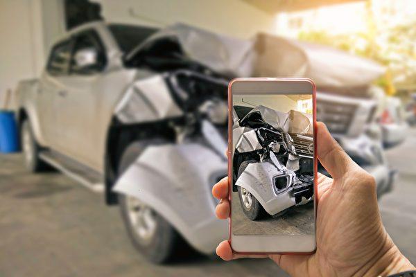 车子全毁(Total Loss)之后,能从保险公司拿到多少汽车赔偿。(Shutterstock)