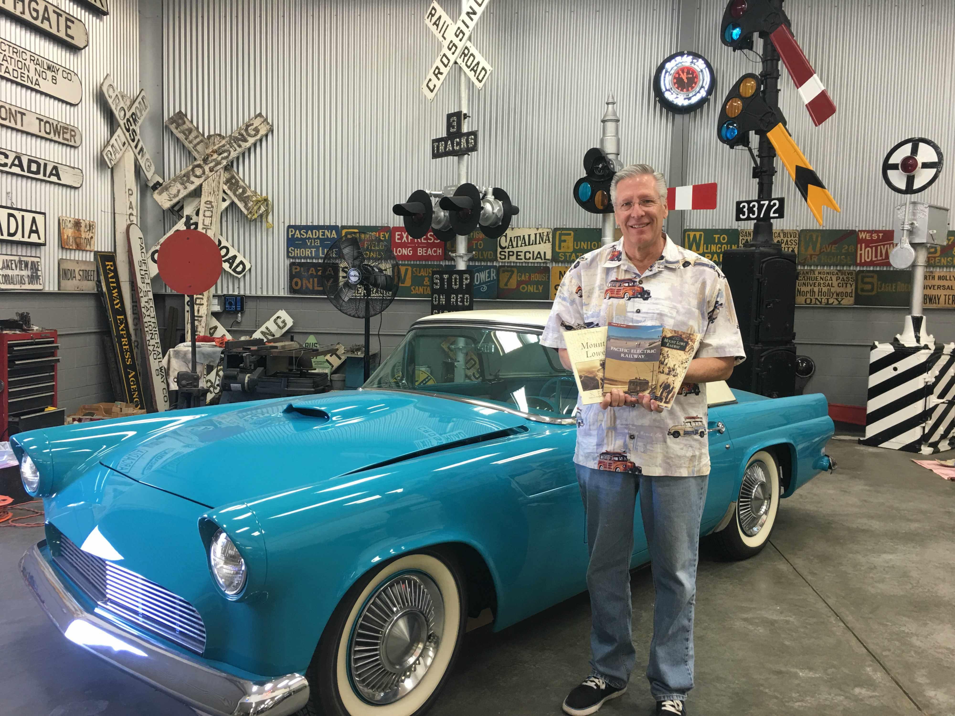 洛杉磯書商收藏古董車 見證加州歷史
