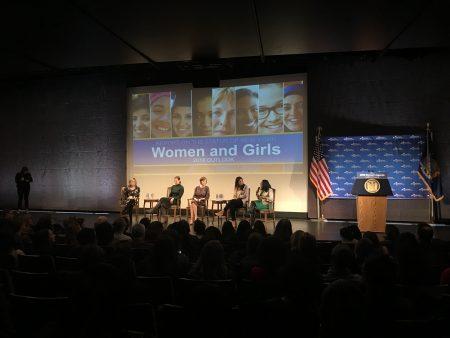 來賓討論2018年紐約州女性機會計畫。