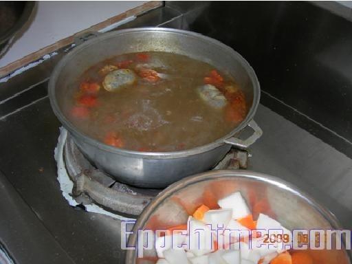 从川味牛肉面的由来 看改变台湾饮食文化