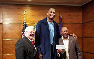 前休斯頓火箭隊明星球員捐5萬美金賑災