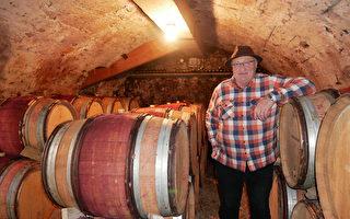 一家八代種葡萄 法國莊主家藏三百年酒窖