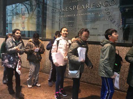 亨特高中入学考试,2,500名考生争夺175个名额,华人考生占一半,图为赴考的华人学生。