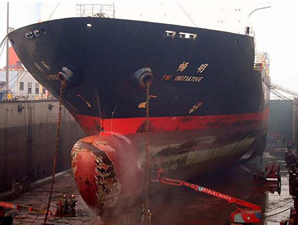 大型交通工具保持清洁 探飞机船舶两铁洗澡
