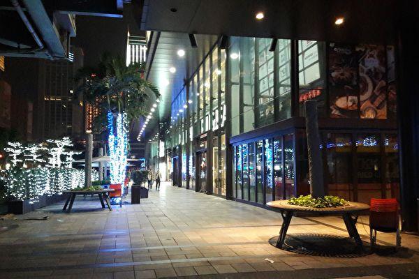 除夕夜看电影  惊鸿一瞥台北街头难得一见的都市风情
