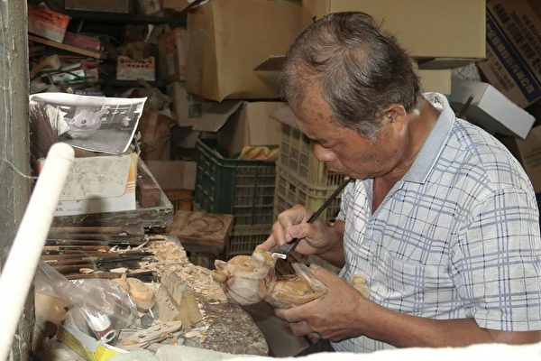 堅持理想與傳承的木藝達人──陳溪河