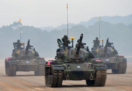 美国智库近日发布报告,指中共可能抢在台湾宣布独立前采取突袭行动。国防部对此表示,国军有信心也有能力保卫国家。图为国军演习。