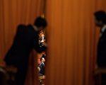 3月17日,习近平、王岐山高票当选中共国家主席、副主席。 (FRED DUFOUR/AFP/Getty Images)