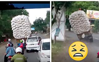 高手在民间 看印尼超载的货车如何转弯