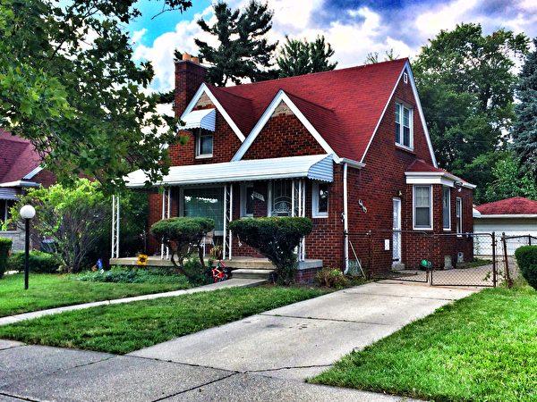 Detroit & Co.為您推薦擁有2-3個臥室,70平米以上,适合中产阶级家庭居住的别墅。其中有地下室的、傳統裝修風格的、環境安靜的都更能加分。(Detroit & Co.提供)