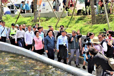台北市府團隊25日南下考察台中綠川水利工程。