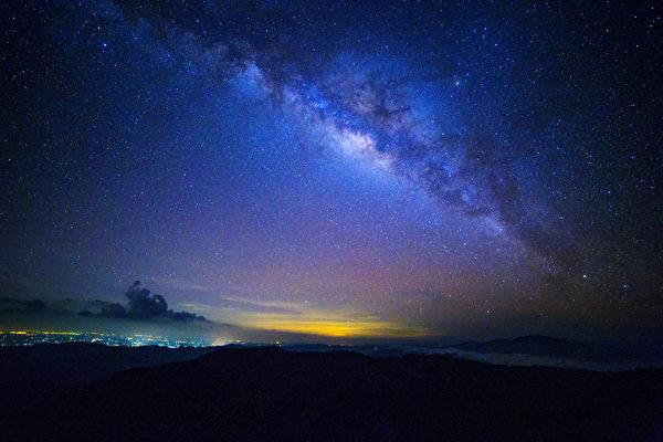 重庆时时彩稳赚方法:新星不断诞生 银河系以每秒500米之速扩大